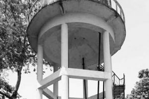 Overhead water tank without lid in Bolangir village, people's health at risk
