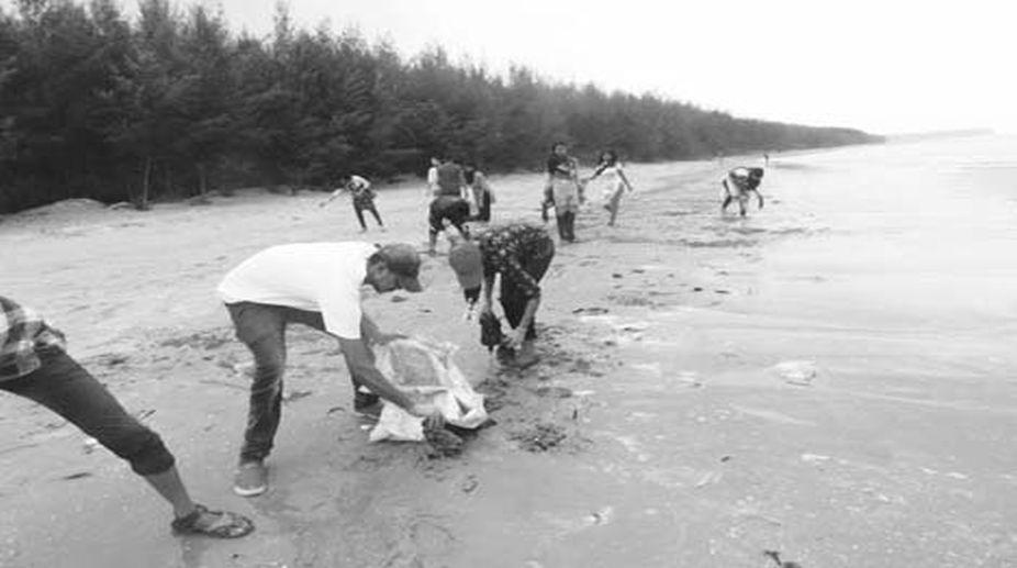 Beach cleaning drive