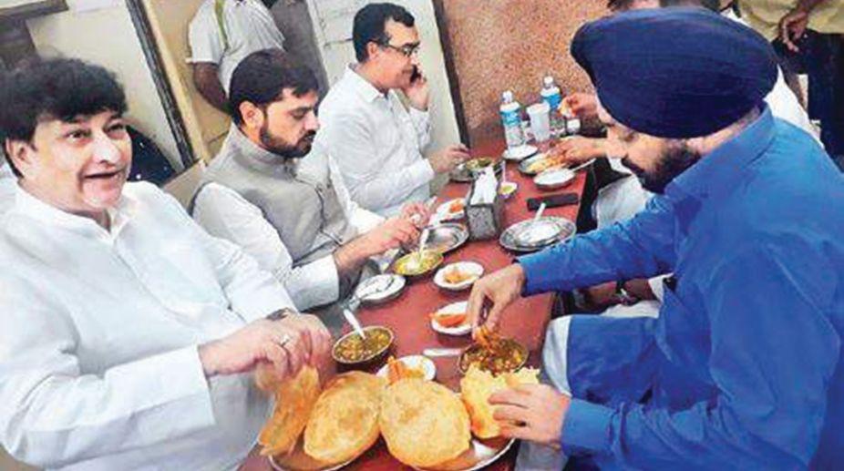 Congress, Breakfast