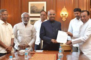 YSR Congress MPs meet Kovind seeking special status for Andhra