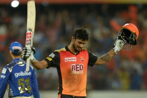 IPL 2018: Sunrisers pip Mumbai Indians by 1 wicket in a thriller