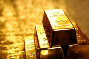 Gold slips on sluggish demand, weak global cues