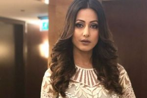 Hina Khan's first look from short film 'Smart Phone'   Check post