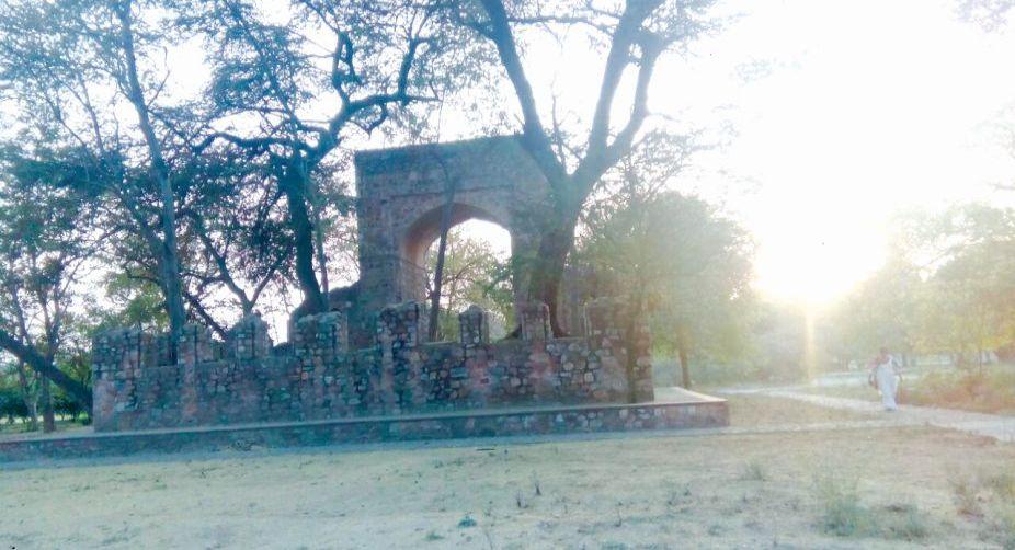 Grave platform
