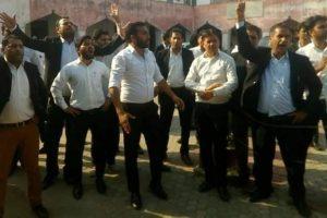 Jammu lawyers suspend agitation, resume work