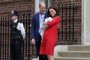 Camera-ready after delivering a child | Can you do a Duchess Kate ?