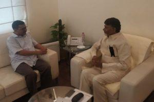 Chandrababu Naidu meets Delhi Chief Minister Arvind Kejriwal