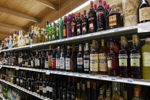 Entering UP areas with liquor purchased in Delhi is non-bailable offence