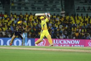 MS Dhoni is fastest stumper against spinners: Hussey