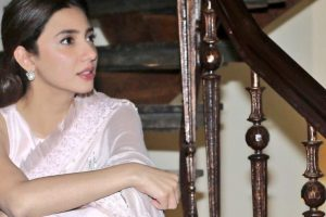 Watch | Mahira Khan recreates Raj Kapoor's song in most adorable way