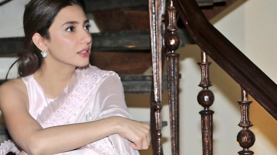 Mahira Khan Recreates Raj Kapoor's Song
