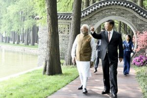 Informal Summit | Modi, Xi walk, talk, take boat ride in Wuhan