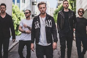 OneRepublic pays tribute to Avicci on their maiden India concert