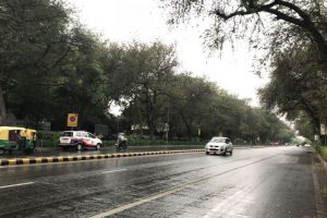 Delhi wakes up to windy and rainy morning