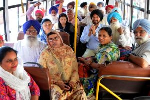 Indian Sikh woman on pilgrimage to Pakistan accepts Islam: reports