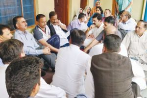Sukhu visits families of persons killed in Nurpur bus accident