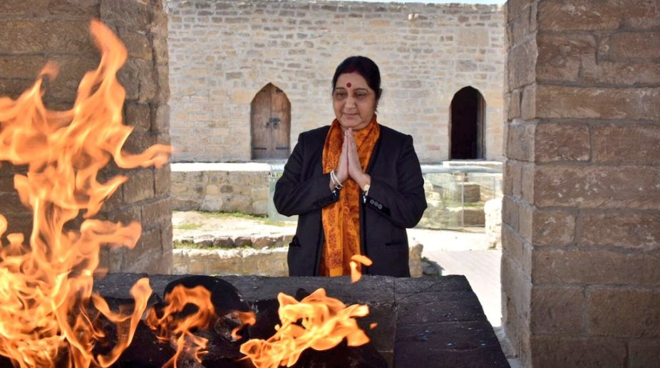 Sushma Swaraj prays at Ateshgah temple