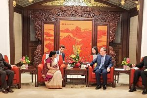 Swaraj meets Chinese President Xi Jinping day after announcement of Modi's visit