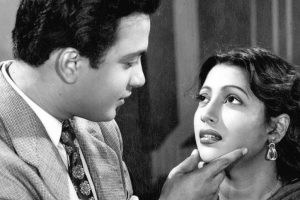 Mamata remembers Suchitra Sen on her birth anniversary