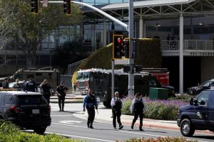 Shooting at YouTube headquarters, woman injures 3 before killing self
