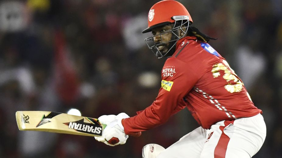 Chris Gayle hits sixes, After seven overs KXIP ..