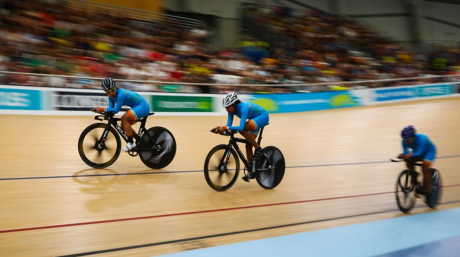 Records tumble as Australia's men and women dominate team pursuit