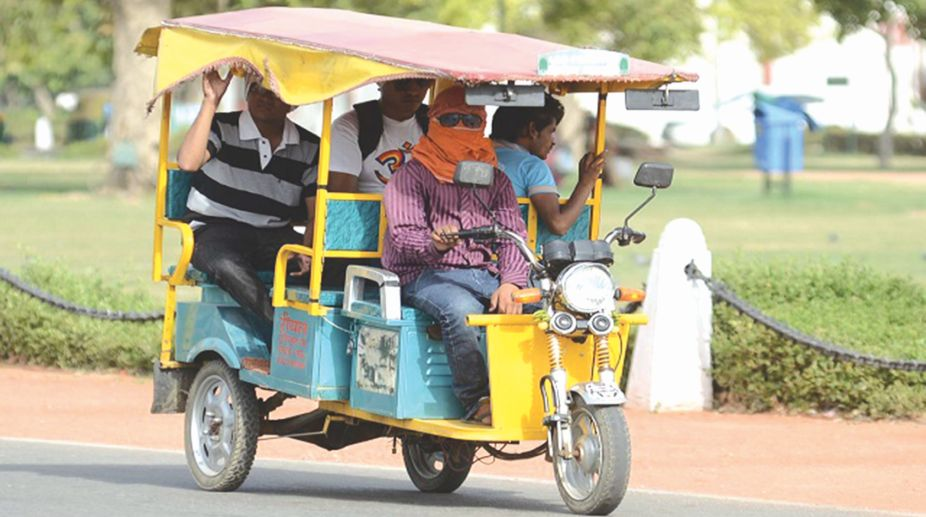 electric rickshaws, passenger vehicles, Nimbkar Agricultural Research Institute, Nitin Gadkari