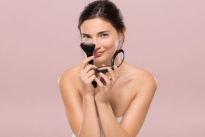 Get picture perfect hair, make up in easy ways