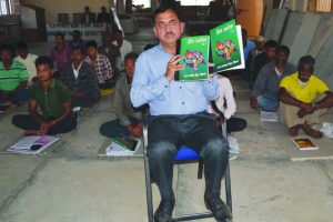 Cop reforming lives of jail inmates through literacy campaign
