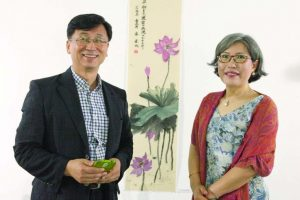 Message of peace through flower painting