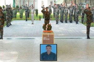 Tral encounter: Army pays tributes to martyred soldier