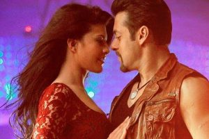Watch: Salman, Jacqueline recreate Jumme Ki Raat at Sonam's wedding reception