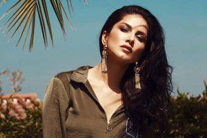 Sunny Leone beats the heat in raunchy photoshoot