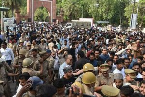 Jinnah portrait row: After clashes in AMU, internet services suspended in Aligarh