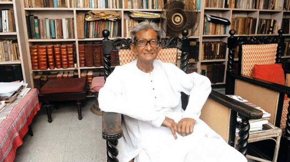 Eminent economist and former LF minister Ashok Mitra dead