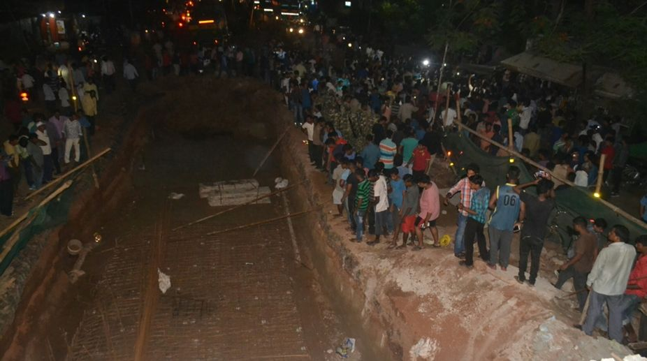 Labourer dies, Bomikhal overbridge, under-construction, Bhubaneswar