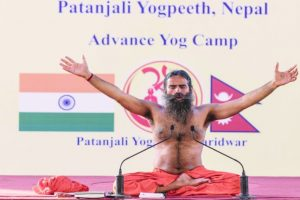 Baba Ramdev fine, not going to UK for knee surgery