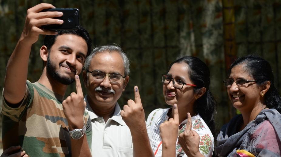 India, Voting, 2018 Karnataka Assembly Elections, BJP, Congress, JDU