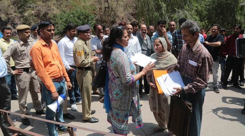 Hotel owner shoots woman official amid demolition drive in Kasauli, accused absconding