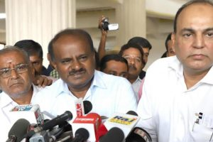 Karnataka verdict: Kumaraswamy accepts Cong support, writes to Governor