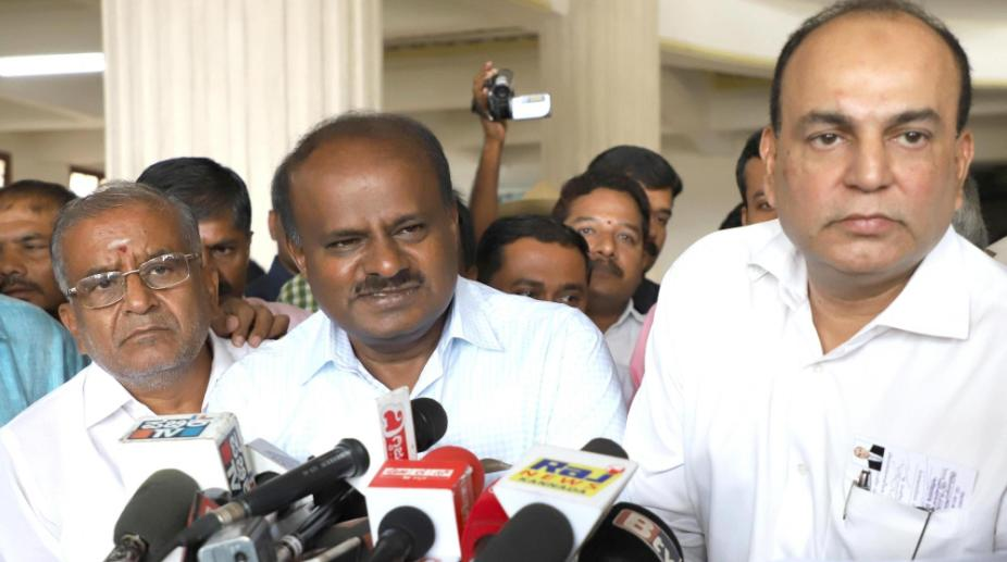 Yeddy goes, Kumaraswamy to take oath as Karnataka CM on Wednesday