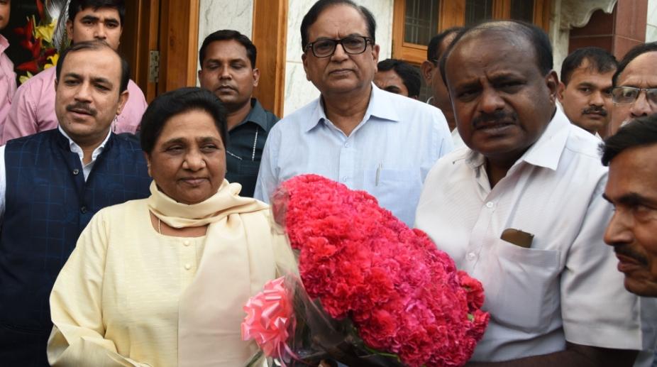 Kumaraswamy meets Mayawati