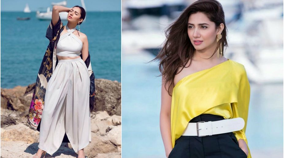 Sonam Kapoor lovingly planted a kiss on Mahira Khan's forehead at Cannes