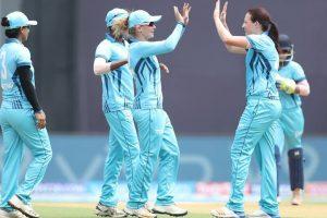 Women's T20 challenge: Megan Schutt strikes, Trailblazers 129 for 6