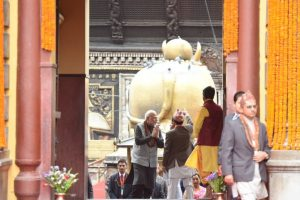 PM Modi prays at Pashupatinath temple, meets opposition leaders in Nepal