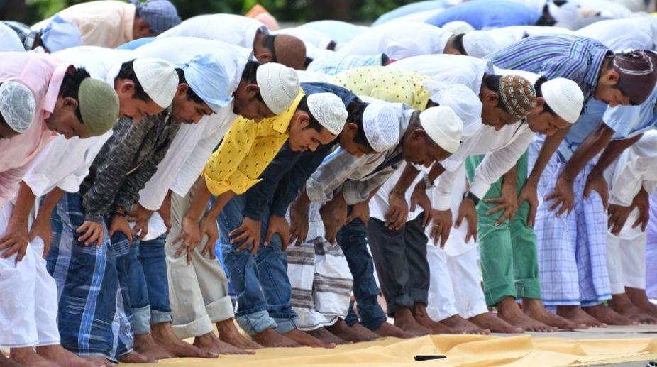 Kanwar yatra, Muslim man, Namaz, UP Muslim, Babu Khan