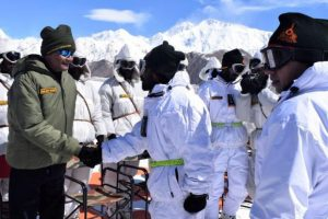 President Ram Nath Kovind visits army base camp in Siachen