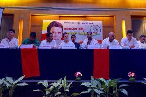 Rahul Gandhi apologises to media for 'paucity of time', slams PM Modi