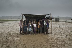 Bangladesh: Cholera vaccination campaign begins for 1 mn Rohingya refugees and their host communities