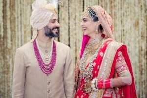 Meet the newlyweds Sonam Kapoor and Anand Ahuja